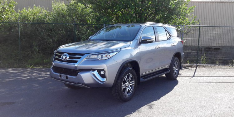 TOYOTA FORTUNER, 4WD - Petrol - Automatic   Singral Auto